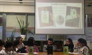 Encuentro con antiguos  alumnos en la Biblioteca del IES Hermenegildo Martín Borro (Cebreros)
